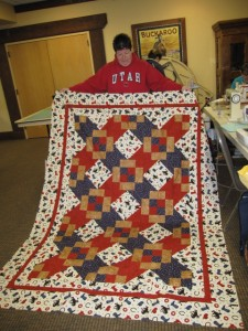 Suzanne with her easy quilt