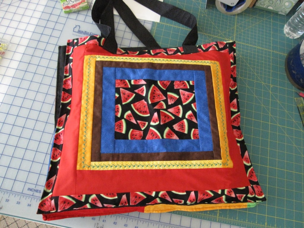 Twist it picnic quilt bag side 1