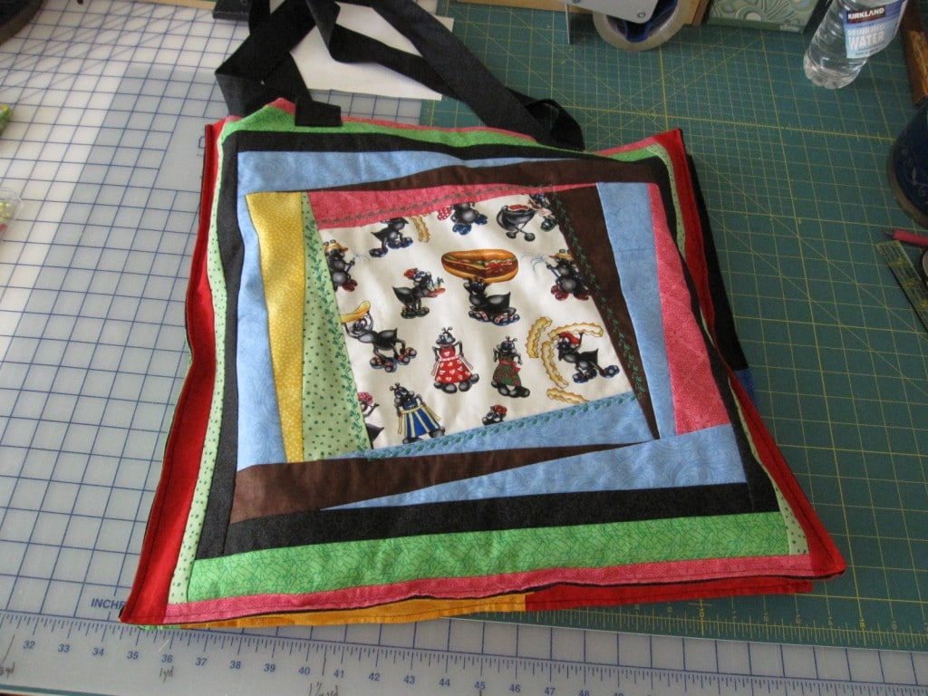 Twist it picnic quilt bag side 2