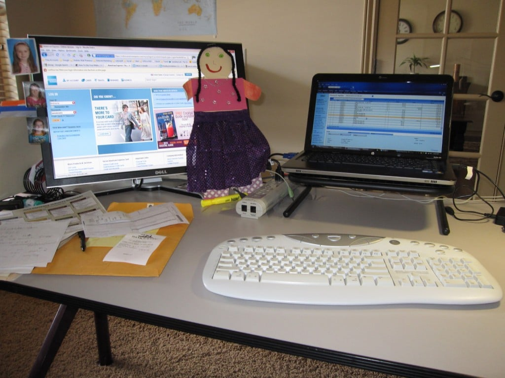 and this is what Nana's desk looks like.